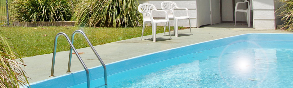 Relax by the swimming pool at Colonial Court Motor Inn Kempsey