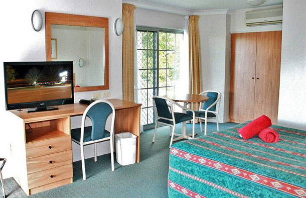 Air-conditioned rooms with flat screen TV and free Wi-fi